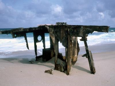 Shipwreck parts near Ponta falsa